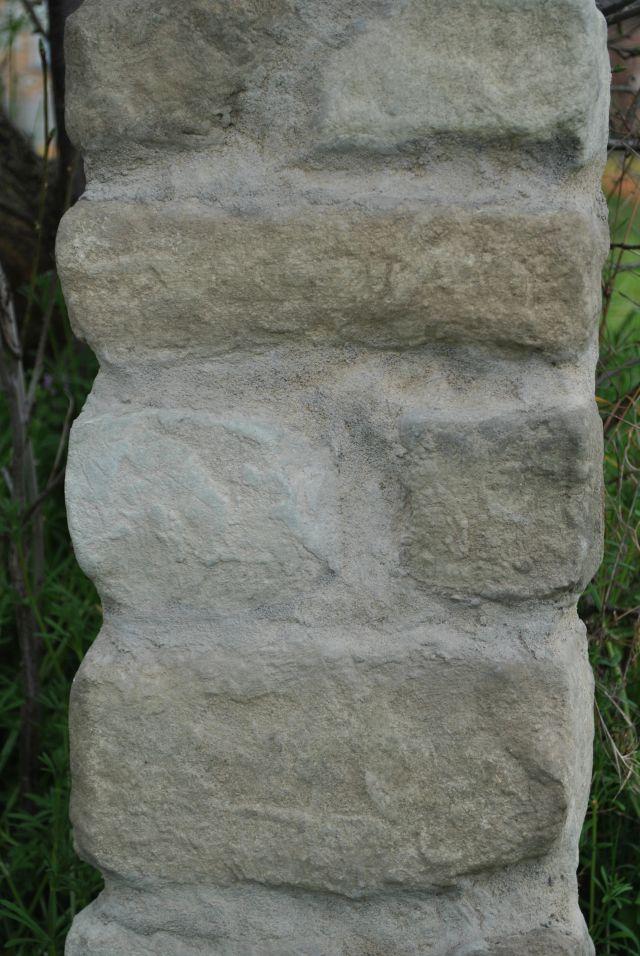 Colonna in polistirolo finti sassi su misura montaggio facile e veloce da€ 120,00 ml