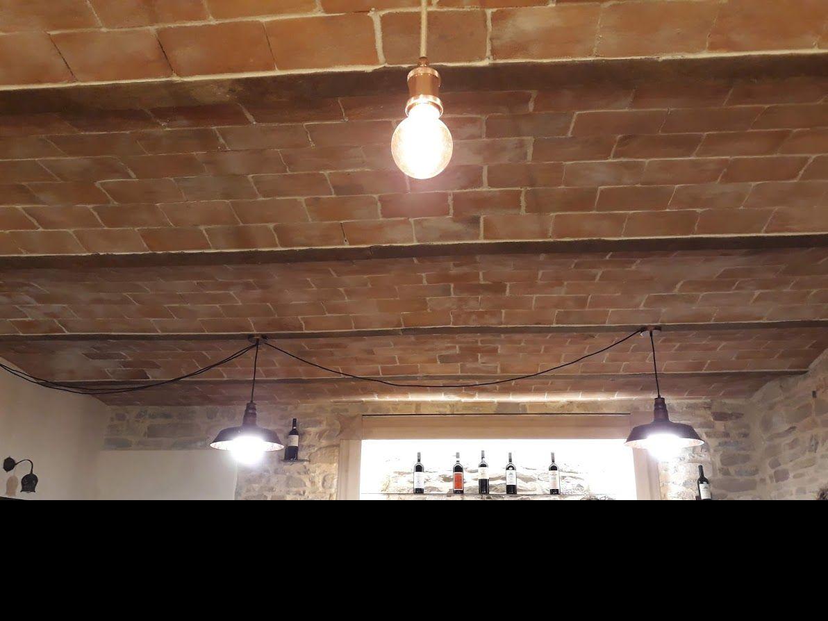Finti mattoni sassi pietre for Pannelli in polistirolo per soffitti
