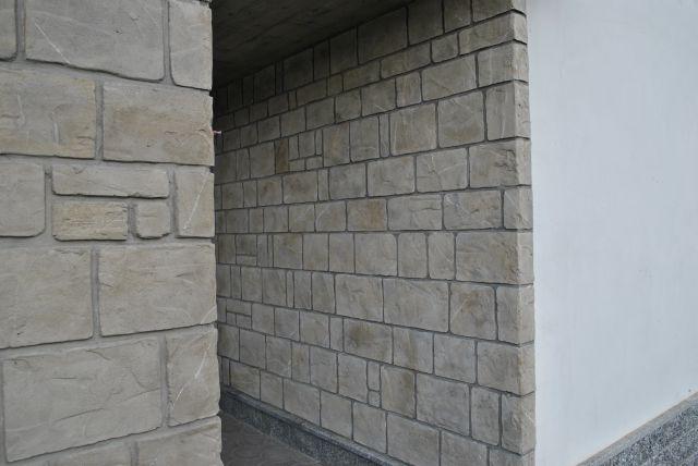 Finti mattoni sassi pietre for Finta pietra in polistirolo