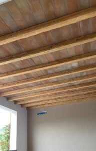 Soffitto rivestito con art.T152