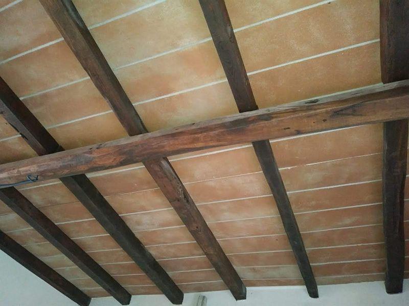 Soffitto rivestito con pannelli di polistirolo finte tavelle for Pannelli di polistirolo per soffitto