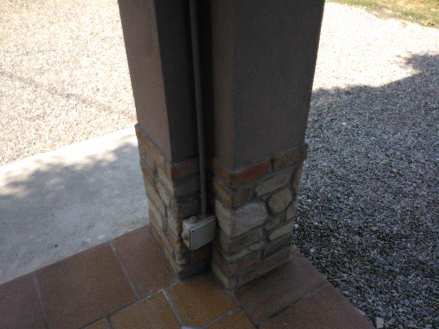 Pareti Esterne Rivestite In Pietra : Mattoni e sassi in malta cementizia